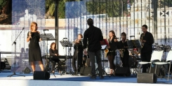 Monica Picone con la Sin Verguenza Jazz Band al Lions Day